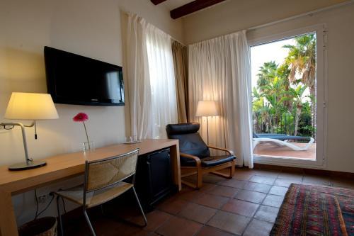 Double Room with Mountain View Hotel Tancat de Codorniu 2