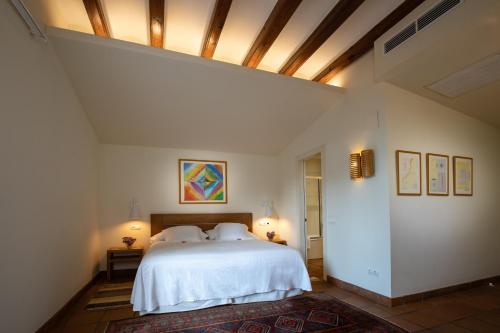 Double Room with Mountain View Hotel Tancat de Codorniu 3