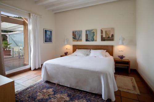 Double Room with Sea View Hotel Tancat de Codorniu 2