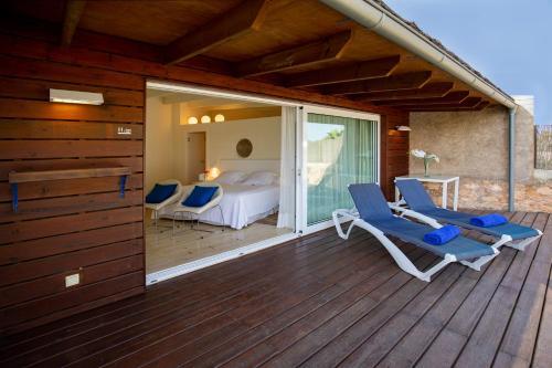Habitación Cuádruple Deluxe con piscina privada Hotel Tancat de Codorniu 1