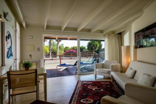 Habitación Cuádruple Deluxe con piscina privada Hotel Tancat de Codorniu 2