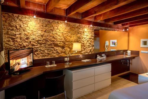 Habitación Cuádruple Deluxe con piscina privada Hotel Tancat de Codorniu 3