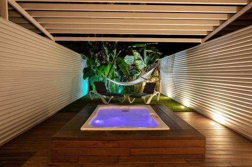 King Suite with Spa Bath Hotel Tancat de Codorniu 1