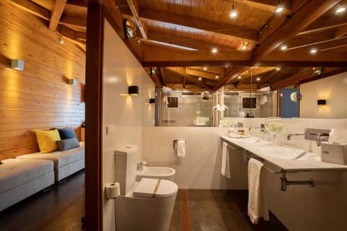 King Suite with Spa Bath Hotel Tancat de Codorniu 3