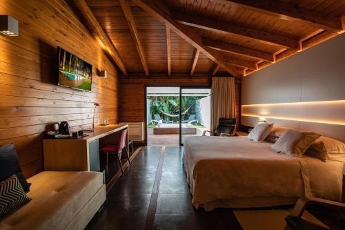 King Suite with Spa Bath Hotel Tancat de Codorniu 4