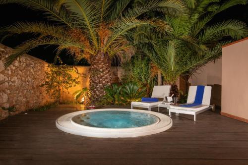 Superior Double Room with Hot Tub Hotel Tancat de Codorniu 1