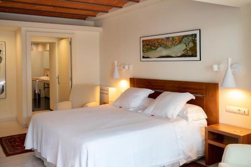 Superior Double Room with Hot Tub Hotel Tancat de Codorniu 4