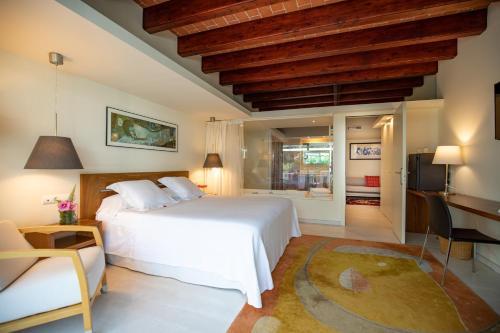 Superior Double Room With Sauna Hotel Tancat de Codorniu 2