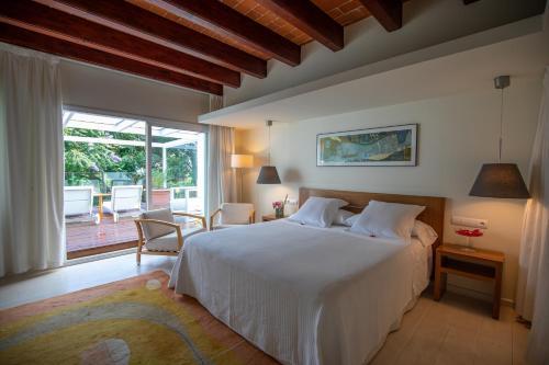 Superior Double Room With Sauna Hotel Tancat de Codorniu 3