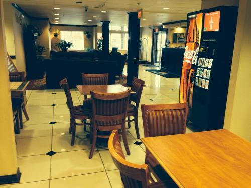 Days Inn By Wyndham Sallisaw - Sallisaw, OK 74955