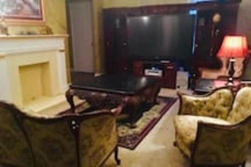 3 BEDROOM SLEEPs 8 NICE SPACIOUS APARTMENT B 89 - Apartment - Montgomery