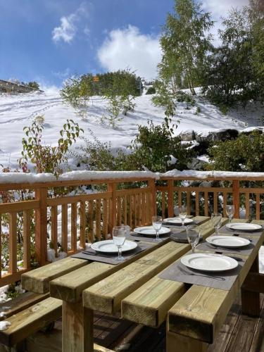 . Apartment with 2 bedrooms in Les Deux Alpes with wonderful mountain view terrace and WiFi 50 m from the slopes