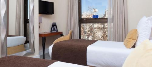 Hotel Puerta de Toledo - image 3