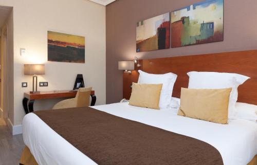 Hotel Puerta de Toledo - image 5
