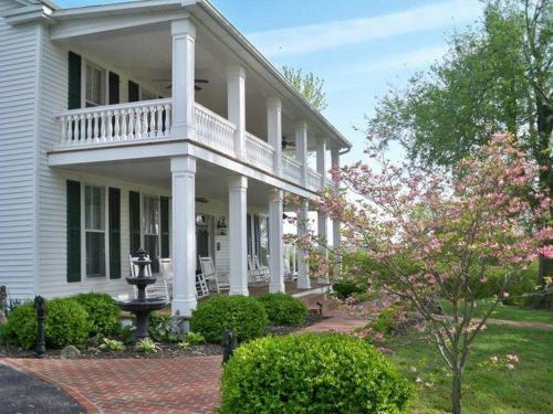 . Maple Hill Bed and Breakfast