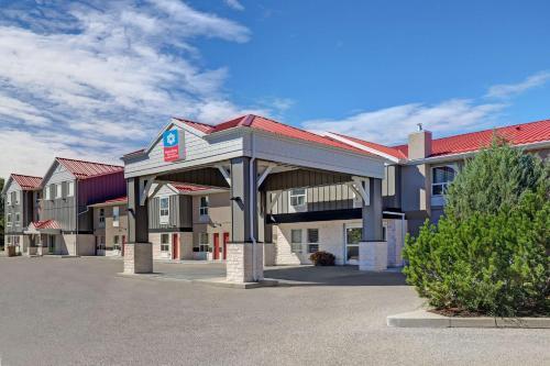SureStay Plus Hotel by Best Western Drumheller