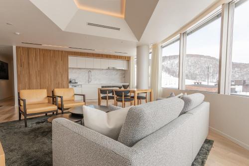 2 Bedroom Suite East View