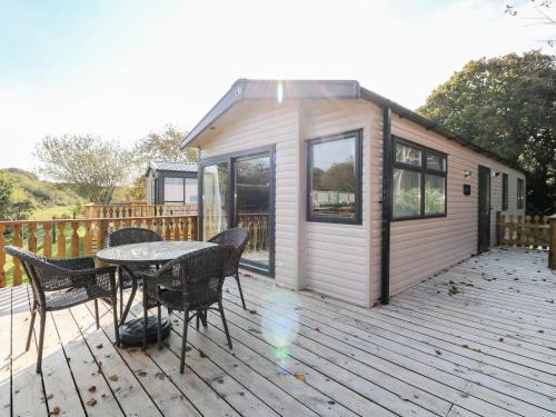 Riverside Retreat, Black 6, Perranuthnoe, Cornwall