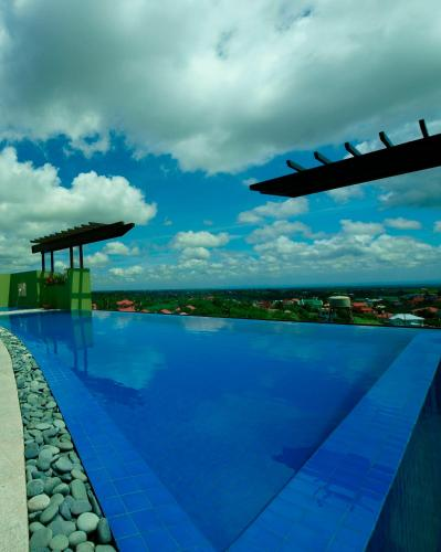 picture 1 of One Tagaytay Place Hotel Suites