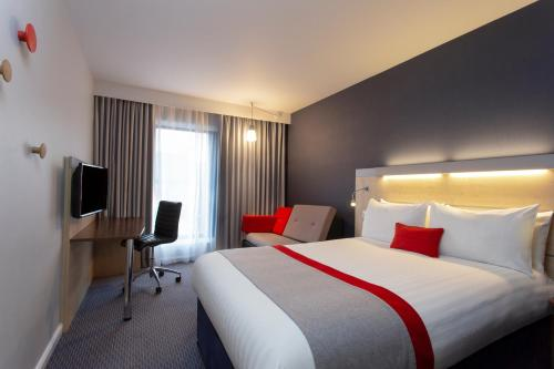 Holiday Inn Express Cheltenham Town Centre, an IHG Hotel - Photo 5 of 35