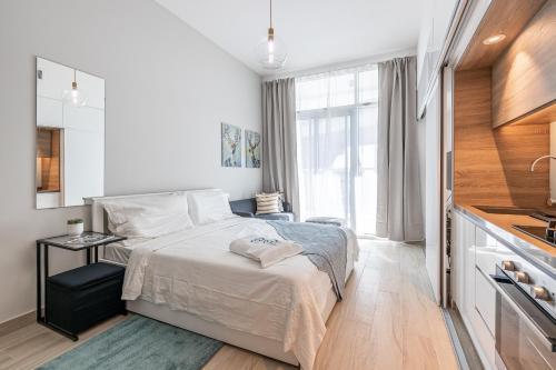 Charming modern Studio apartment with balcony