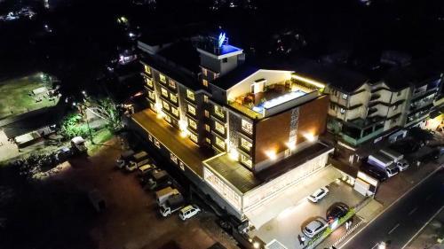 . Hotel Cosmique