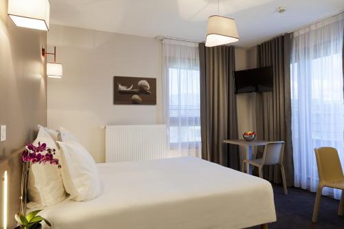 Comfort Suites Porte de Genève - Hôtel - Annemasse