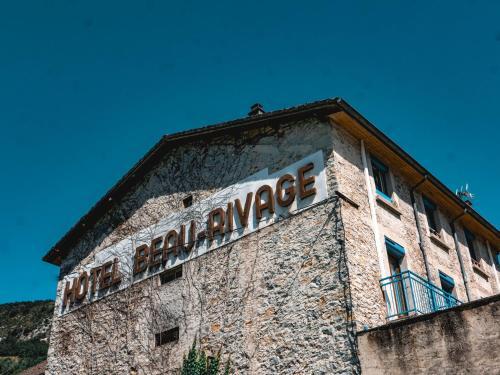 . Hotel Beau Rivage