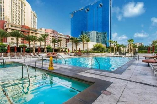 Beautiful Pool View with No Resort Fees and Free Parking at MGM Signature