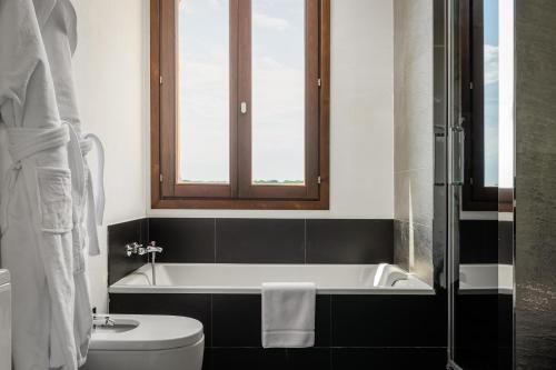 Suite Junior Sant Pere del Bosc Hotel & Spa 6