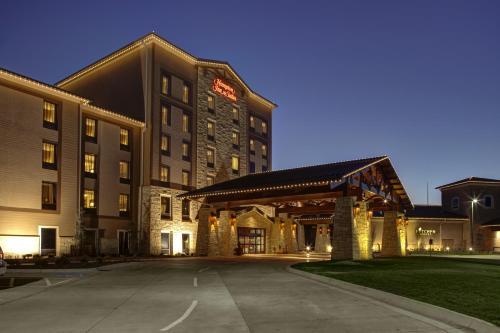 . Hampton Inn & Suites I-35/Mulvane