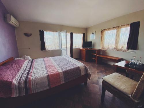 Hotel Fancy - Photo 3 of 17