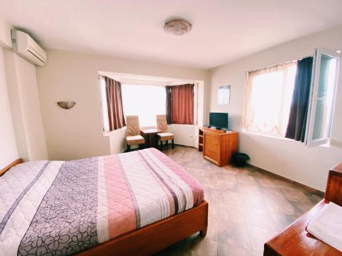 Hotel Fancy - Photo 6 of 17