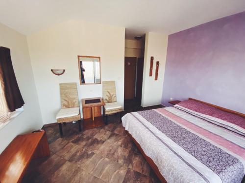 Hotel Fancy - Photo 2 of 17