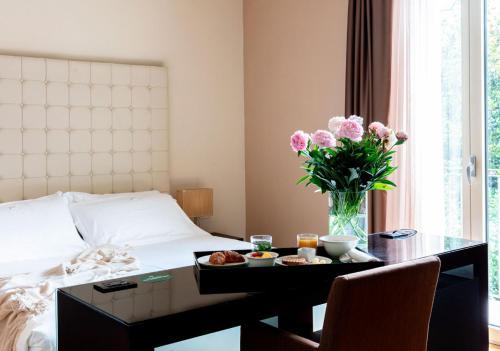. Sweet Hotel