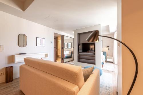 GuestReady - Midcentury Studio with Balcony in Santos 501 - image 5