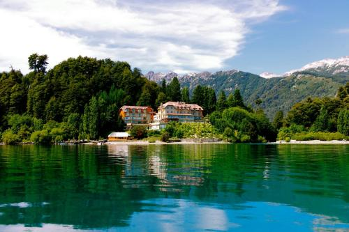 __{offers.Best_flights}__ Correntoso Lake & River Hotel