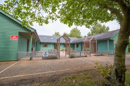 . Lakeside Lodge