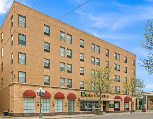Quality Inn & Suites - Hotel - Virginia