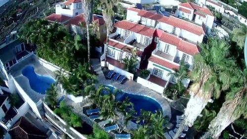 . Apartamentos y Bungalows Finca Colón