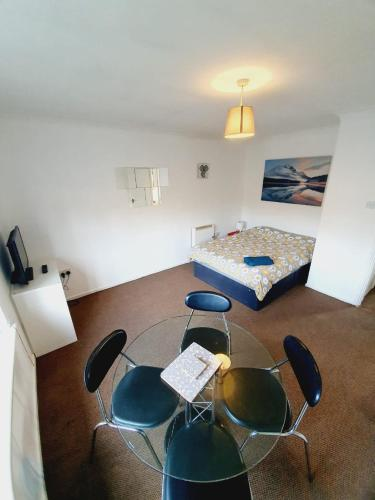 2 Bedroom Rayleigh Apartment