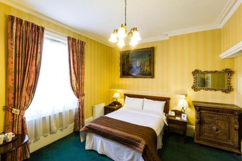 Best Western Swiss Cottage Hotel - image 12