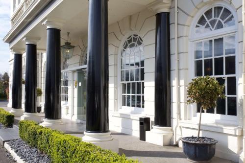 London Croydon Aerodrome Hotel, Bw Signature Collection