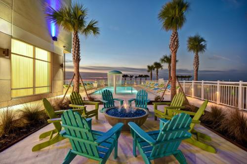 . Holiday Inn Express & Suites - Galveston Beach, an IHG hotel