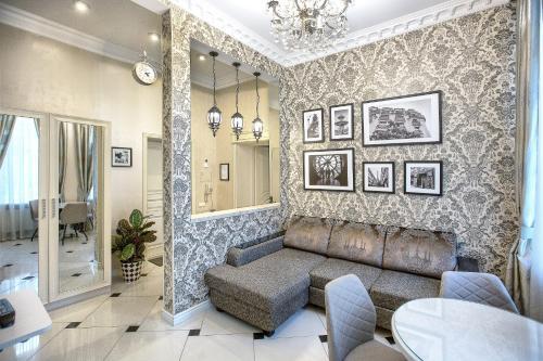 . City Garden Apartments