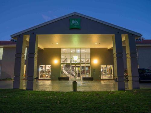 ibis Styles Canberra - Hotel