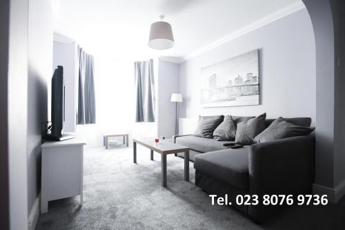 . Honest Hospital House Apartment 1