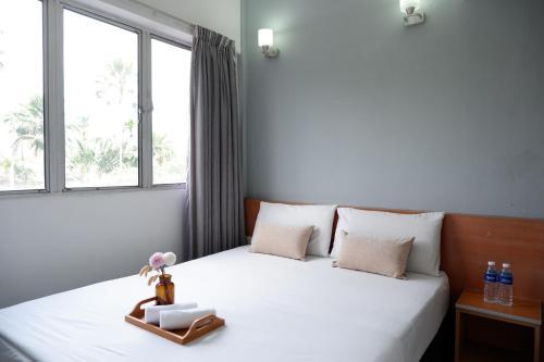 Oyo 412 Indah Garden Hotel