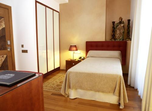Einzelzimmer  Mirador de Dalt Vila-Relais & Chateaux 1