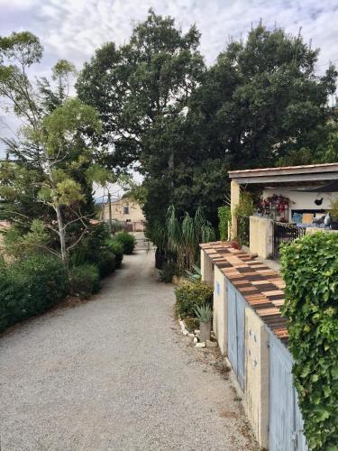 Gites Mas Du Cadranier - Hotel - Villeneuve